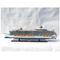 Harmony of the Seas Cruise Royal Caribbean Cruise Ship Models with etching name plate Brand Material