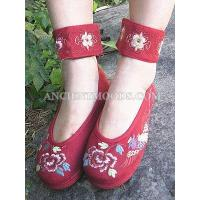 Phoenix with Peony Embroidery Flat Shoes